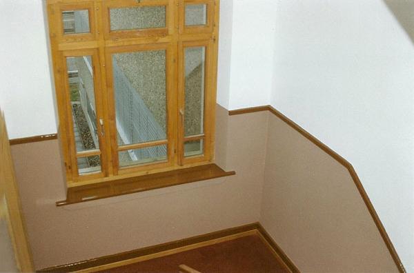 renovation treppenhaus malerarbeiten tapezieren. Black Bedroom Furniture Sets. Home Design Ideas